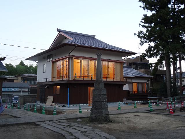 神炊館神社神楽殿 (2)